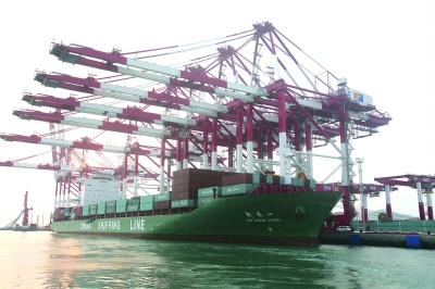 青岛港前湾港区四期工程通过国家竣工验收