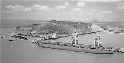 """浙江海洋经济与港口建设""""齐飞"""""""